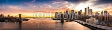 Brooklyn Bridge panorama at sunset 91885783