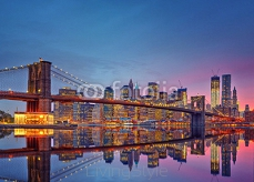 Brooklyn bridge and Manhattan at dusk 71244765