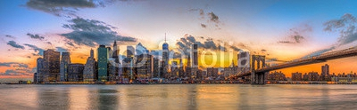 Brooklyn bridge and downtown New York City in beautiful sunset 88330127
