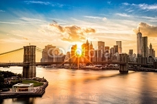 Brooklyn Bridge and the Lower Manhattan skyline at sunset 85359964